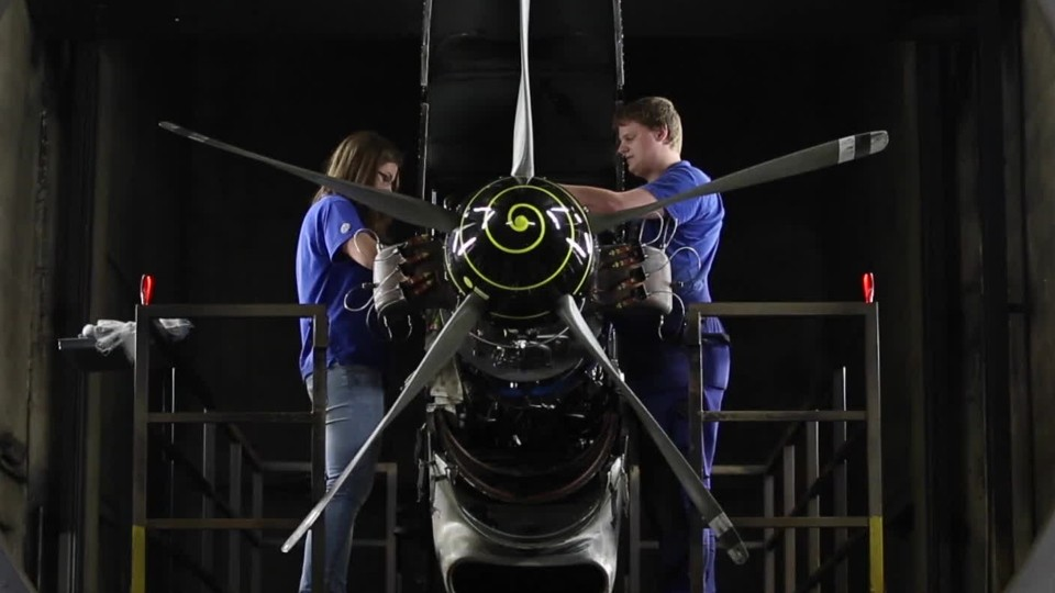 Career Video for Aerospace Engineering and Operations Technicians Job Occupation