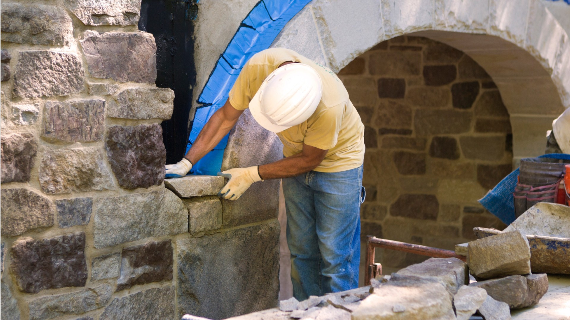Install Masonry Anchor Into Block, Brick Or Concrete.