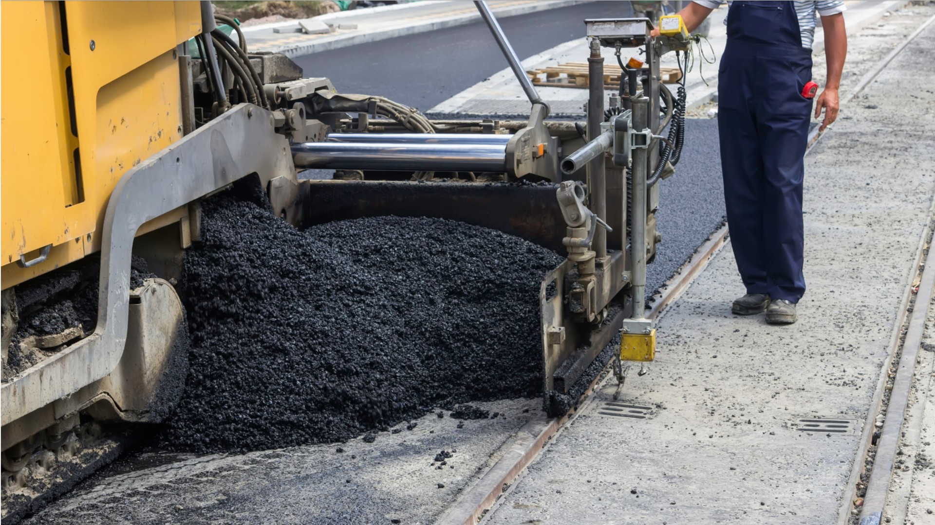 career video of a Paving Surfacing and Tamping Equipment Operators job occupation